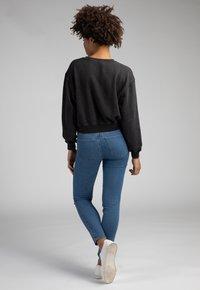 Girl Happens - LIVA - Sweatshirt - schwarz - 2