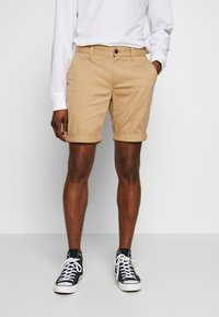 Tommy Jeans - ESSENTIAL - Shorts - tan - 0