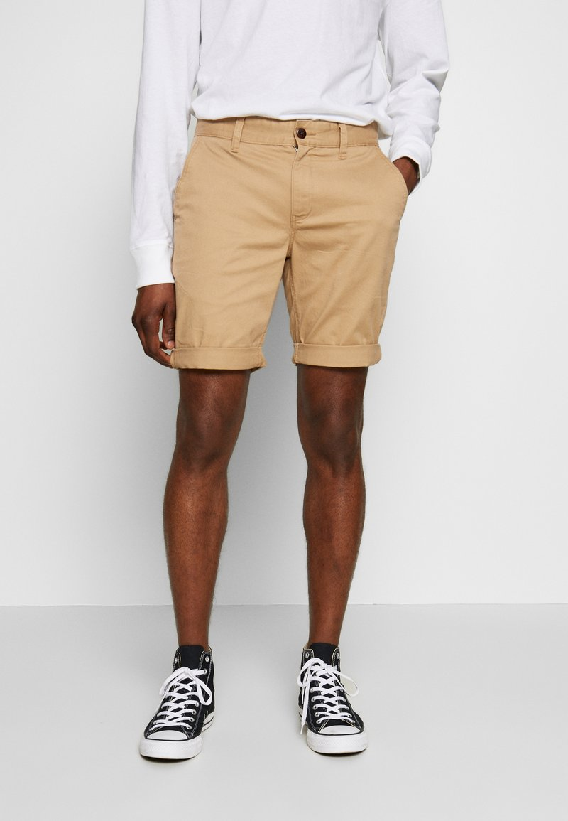 Tommy Jeans - ESSENTIAL - Shorts - tan