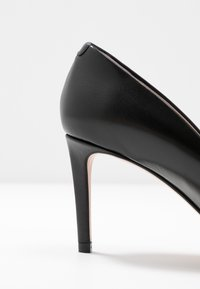 HUGO - ALLISON  - Classic heels - black - 2