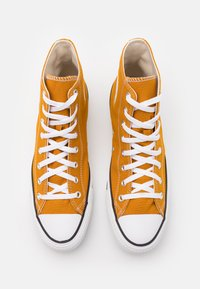 Converse - CHUCK TAYLOR ALL STAR - High-top trainers - saffron yellow - 3