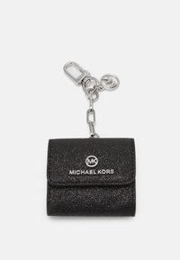 MICHAEL Michael Kors - TRAVELS CLIPCASE FOR AIRPODS - Andet - black - 0