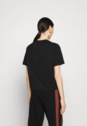 STEFFI TEE - T-shirts print - black beauty