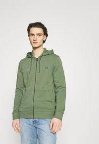 Esprit - Zip-up hoodie - light khaki - 0