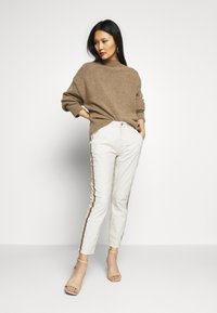 Opus - LETTY COLOR TAPE - Jeans Skinny Fit - beige - 1