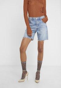 Agolde - RUMI MID LENGTH - Denim shorts - renewal - 0