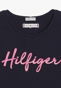 Tommy Hilfiger - TEE  - T-shirt z nadrukiem - blue - 4