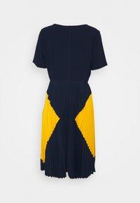 Steffen Schraut - PARIS PLEATED DRESS - Day dress - navy sun - 7