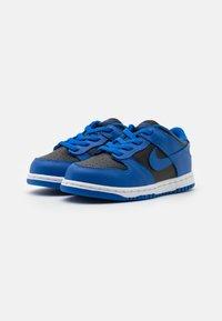 Nike Sportswear - DUNK  - Sneakersy niskie - black/hyper cobalt/white - 1