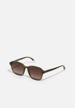 RIUHA - Sluneční brýle - olive