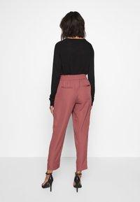 Vila - VIIRIS RWRE 7/8 PANT - Trousers - dusty cedar - 2