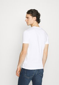 Calvin Klein Jeans - SLIM TEE 3 PACK - T-paita - red/black/white - 2