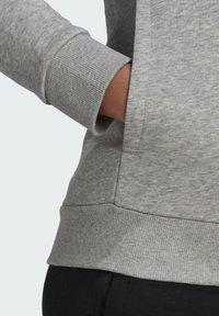 adidas Performance - ESSENTIALS LOGO FLEECE HOODIE - Felpa con cappuccio - grey - 5