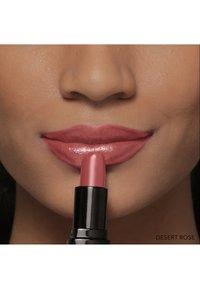 Bobbi Brown - LUXE LIP COLOR - Lipstick - desert rose - 6