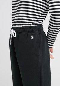 Polo Ralph Lauren - SEASONAL  - Pantalon de survêtement - polo black - 4