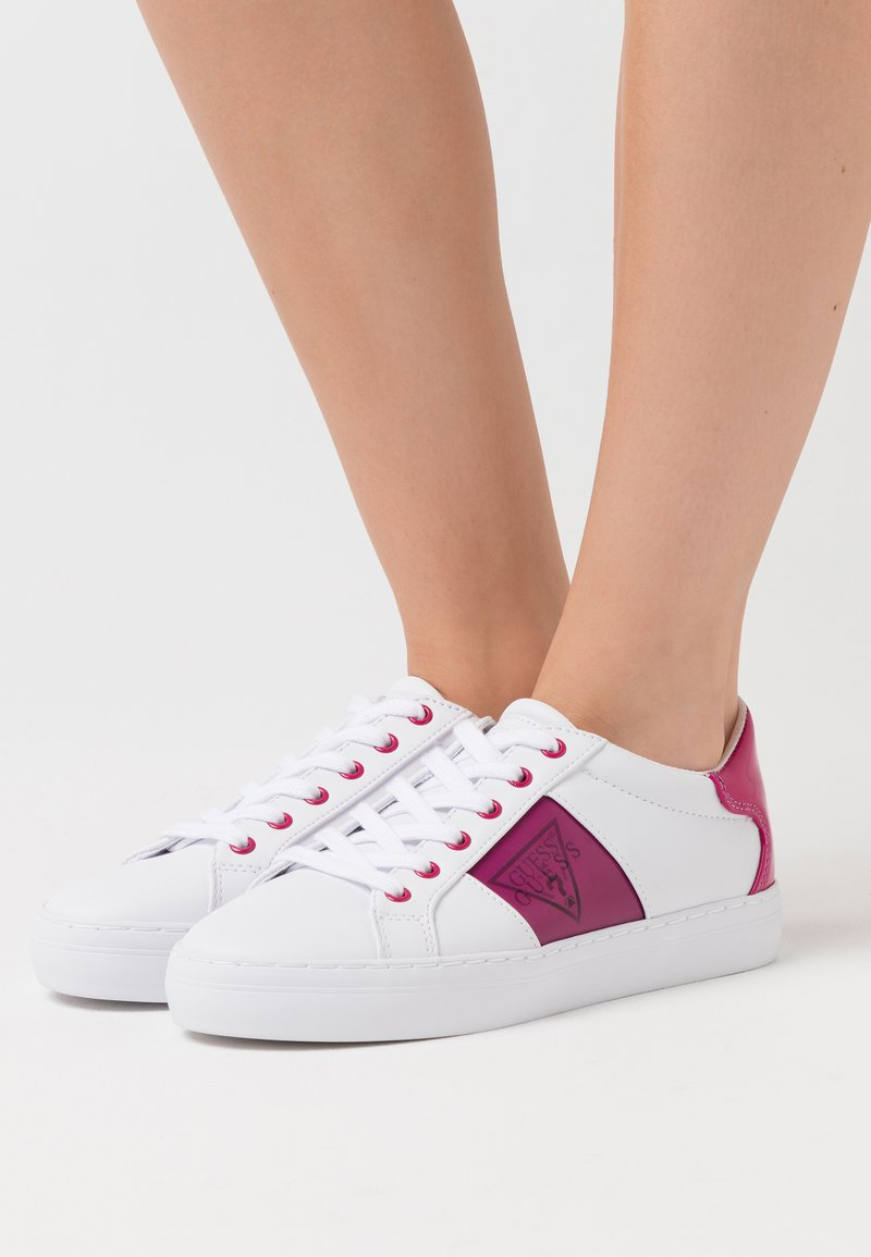 Guess - GALLIE - Trainers - white/pink