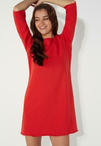 Tezenis - MIT U-BOOT-AUSSCHNITT - Jersey dress - red lipstick - 3