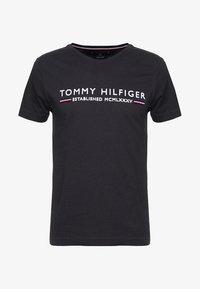 Tommy Hilfiger - ESSENTIAL TEE - Print T-shirt - black - 4