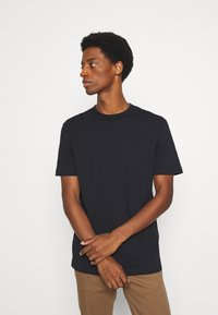 Selected Homme - SLHRELAXCOLMAN O NECK TEE - T-shirt - bas - black - 0