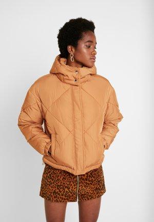 SAMPHA PUFFER - Light jacket - caramel