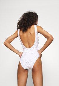Etam - LARA PIECE - Swimsuit - blanc - 2