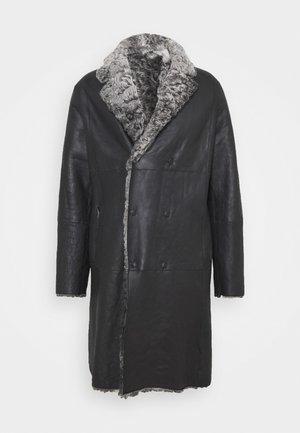 Klasyczny płaszcz - grey