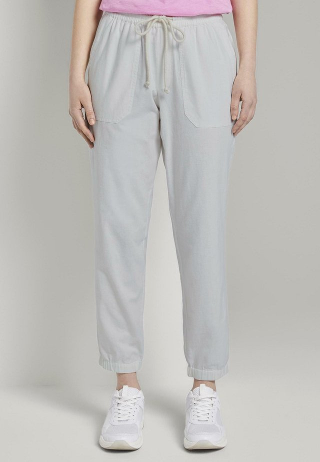 RELAXED TRACKPANTS - Trainingsbroek - gardenia white