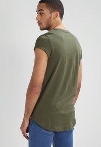 YOURTURN - Basic T-shirt - oliv - 2