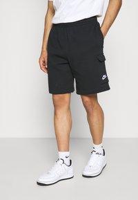 Nike Sportswear - CLUB CARGO - Träningsbyxor - black - 0
