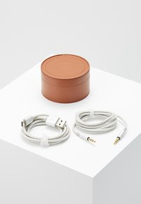 Master & Dynamic - MW50 WIRELESS ON-EAR - Høretelefoner - brown/silver-coloured - 5