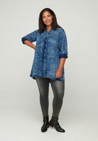 Zizzi - Button-down blouse - blue - 1