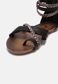 KHARISMA - Sandals - medusa nero/fucile - 7