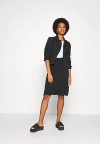 Even&Odd - BASIC - Midi skirt - A-snit nederdel/ A-formede nederdele - black - 1