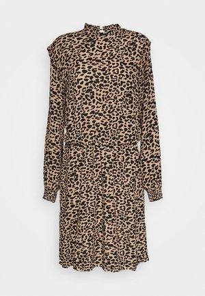 JULA DRESS - Korte jurk - golden sand