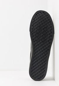 Pier One - Slip-ons - black