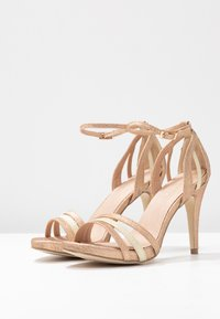 Menbur - Korolliset sandaalit - sand - 4