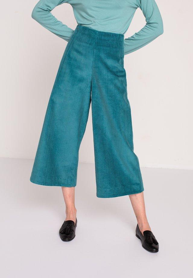 CORDUROY PANTS - Pantaloni - green