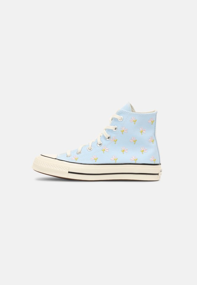 CHUCK 70 EMBROIDERED GARDEN PARTY - Sneakers hoog - chambray blue/egret/black
