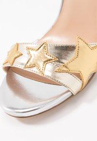 Liu Jo Jeans - CLAIRE - Sandály na vysokém podpatku - light gold/silver - 2