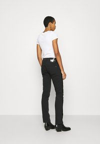Replay - ROXEL - Relaxed fit jeans - black - 2