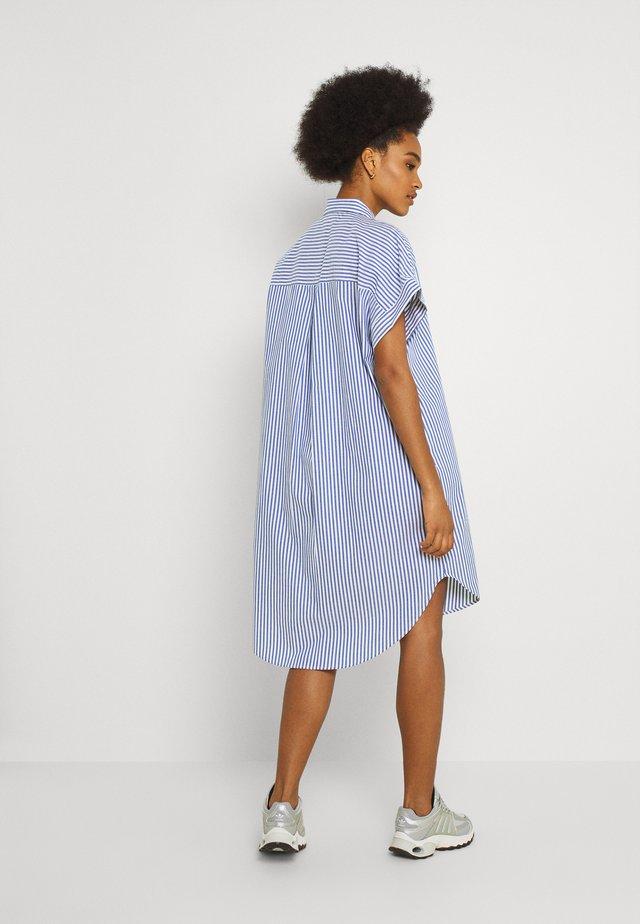 WANNA DRESS - Skjortekjole - blue bright summer stripe