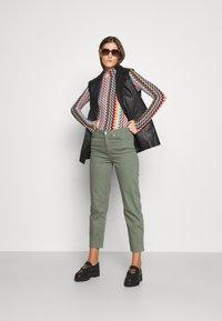 BLANCHE - AVELON - Straight leg jeans - agave green - 1