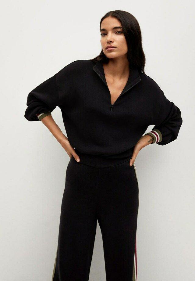 WORLD - Sweter - black