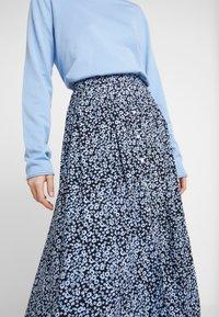 Moss Copenhagen - CELINA MOROCCO SKIRT - A-line skirt - blue - 4