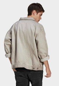 adidas Originals - R.Y.V. DENIM JACKET - Denim jacket - brown - 2