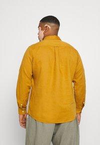 Johnny Bigg - ANDERS SHIRT - Shirt - mustard - 2