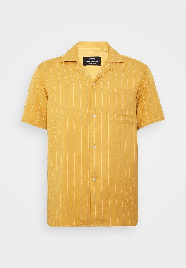 DRAPY STRIPE SHIRT - Skjorte - rattan