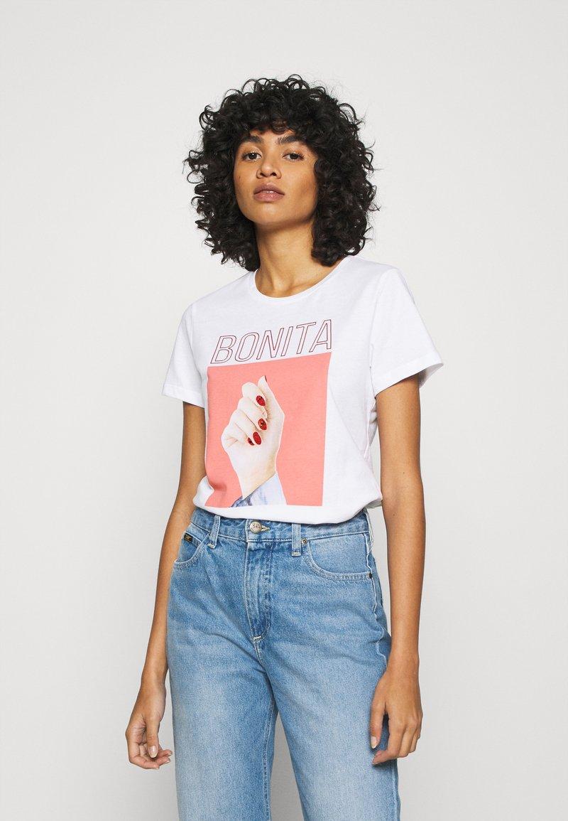 ONLY - ONLBONITA LIFE - Print T-shirt - bright white