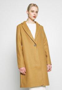 Vila - VICOOLEY NEW COAT - Zimní kabát - dusty camel - 0