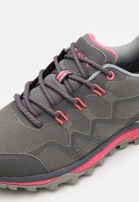 Hi-Tec - STINGER WP WOMENS - Hiking shoes - graffute/chiaccio/pink - 5